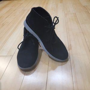UGG Dustin Chukka Men's Shoes in Black SIZE 7 😎